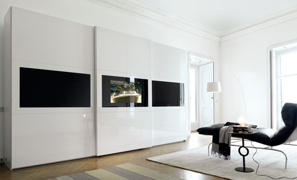 armadio con tv incorporata una parete attrezzata per la. Black Bedroom Furniture Sets. Home Design Ideas