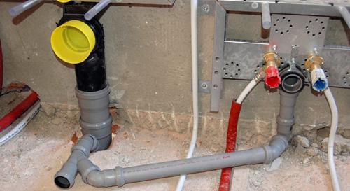Impianto sotto pavimento sanitari rifare casa - Impianto di scarico bagno ...