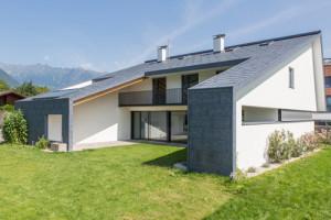 Casa rivestita di alluminio cangiante