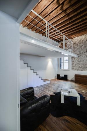 Mide architetti da ex ufficio a casa in centro storico for Case realizzate da architetti