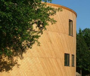 Beedomus la casa cilindrica rifare casa for Casa in stile scandole