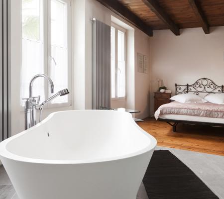 Camera da letto con bagno e cabina armadi rifare casa - Vasca da bagno in camera ...