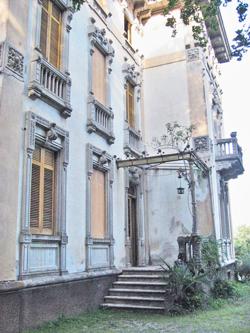 ingresso principale Villa Toletti prima del restauro