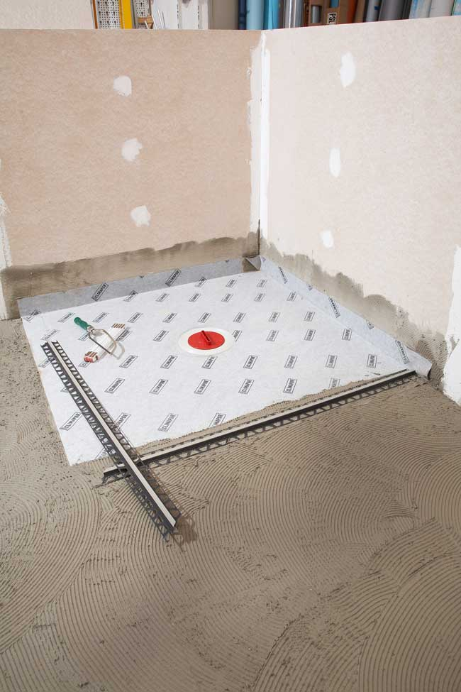 Doccia senza confini 2 rifare casa - Piatto doccia piastrellabile ...