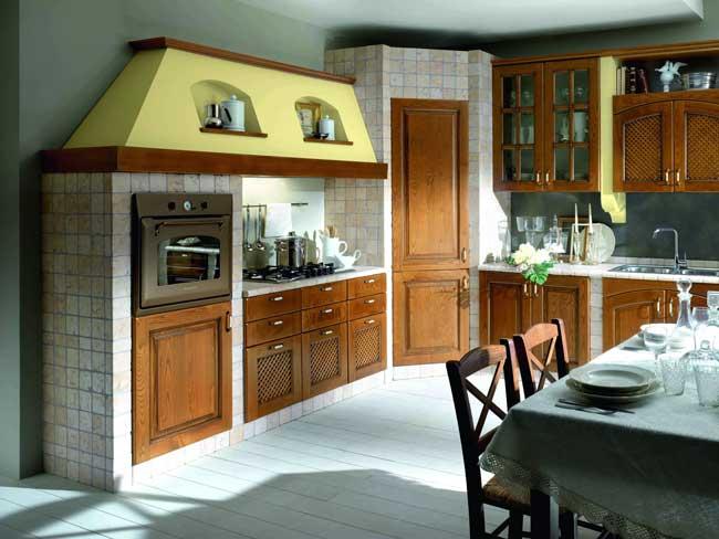 Cucina in muratura su misura come costruire zona cottura piani e cappa - Cappa cucina in muratura ...