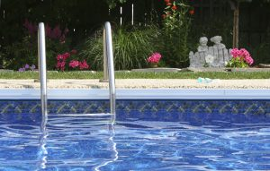 Manutenzione piscina | Tutti i trattamenti da effettuare con indicazioni sui prodotti