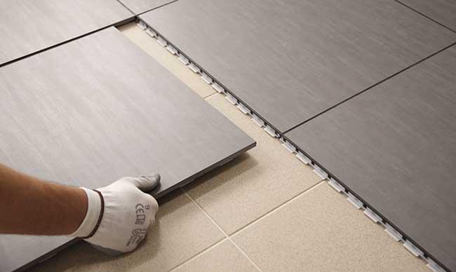 Pavimento a secco in gr s come si posa rifare casa - Asciugatura massetto per piastrelle ...