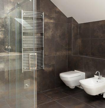 Quanto costa rifare un bagno confronta preventivi su - Pareti doccia su misura ...