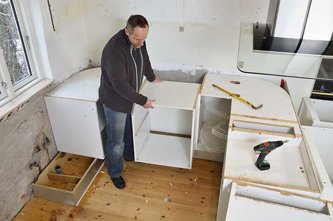 Ristrutturare cucina progetto costi e fai da te rifare casa - Pensili cucina fai da te ...