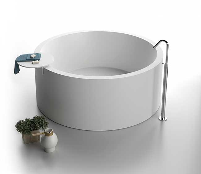 Bagno con Vasca freestanding moderna - Rifare Casa