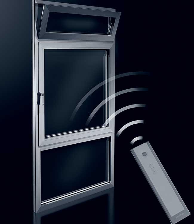 Finestre moderne tipologie sistemi di apertura materiali e prezzi - Finestra che si apre sul lato superiore ...
