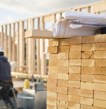 Mide architetti da ex ufficio a casa in centro storico for Sopraelevazione in legno
