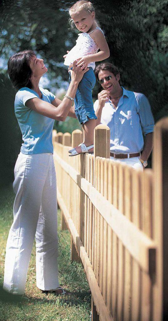 recinzione perimetrale in legno