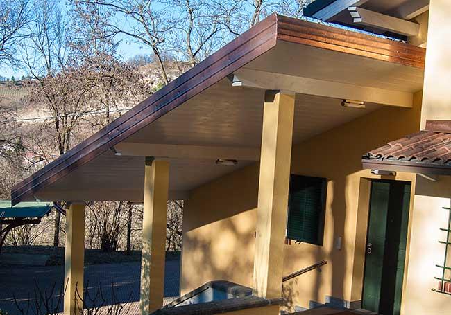 Plafoniere Per Tettoie In Legno : Illuminazione tettoia esterna: mantra