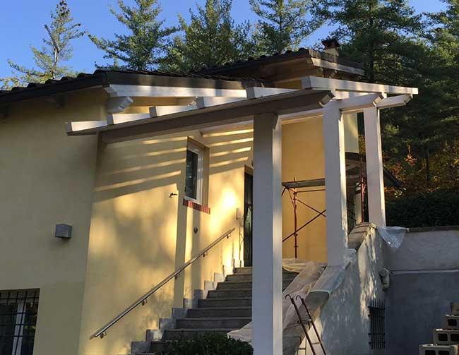 Tettoie in legno caratteristiche installazione e costi for Inquadratura del tetto del padiglione