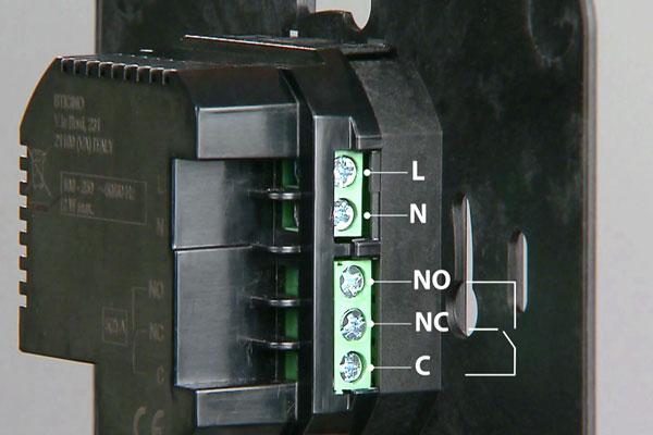 Cronotermostato ora c 39 il modello wi fi l 39 installazione for Termostato perry vecchio modello