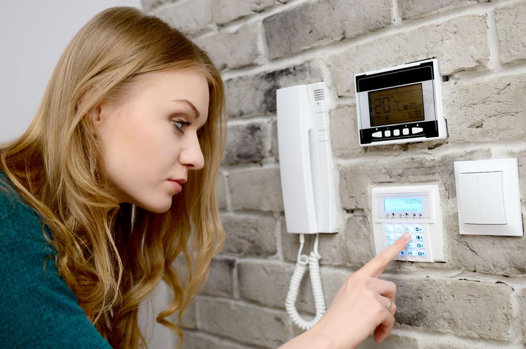 Antifurto casa meglio con o senza fili come si installa quali prezzi - Antifurti casa senza fili ...