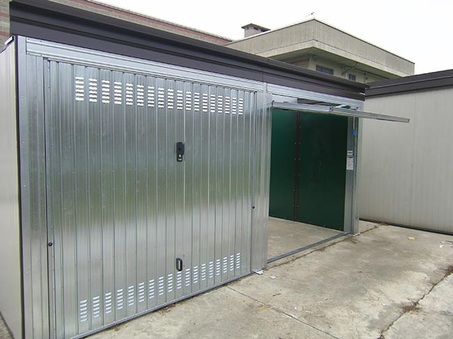 Garage prefabbricati cosa offre il mercato for Box garage lamiera