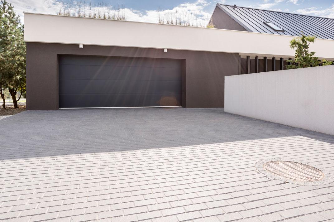 Pavimento per garage pavimenti in resina per parcheggi garage o autorimesse resin con smalto - Piastrelle garage prezzi ...